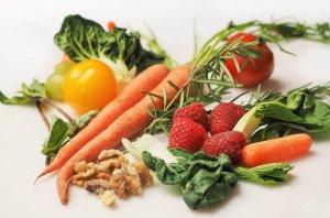 Vihanneksia ja marjoja
